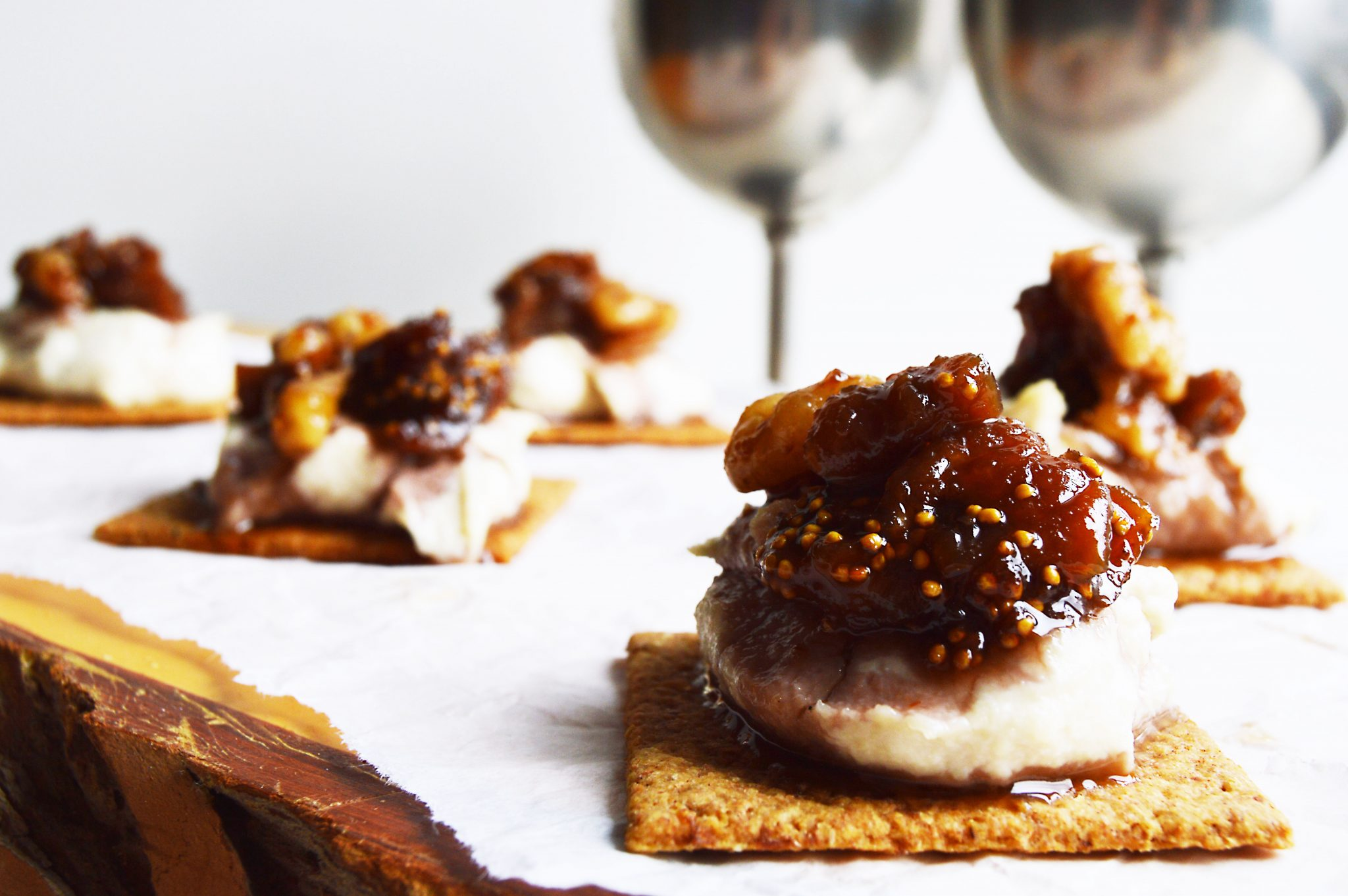 Vegan Caramelised Fig & Walnut Cashew Cream Cheese Bites