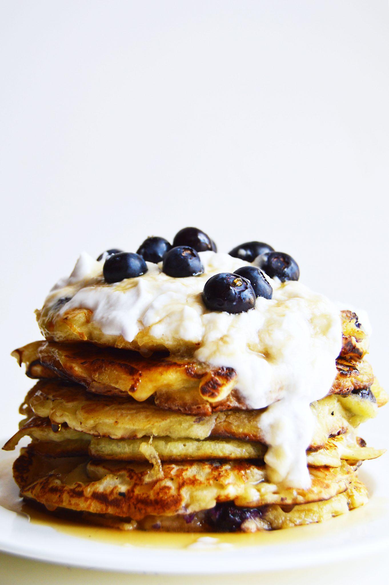 vegan blueberry buttermilk pancakes
