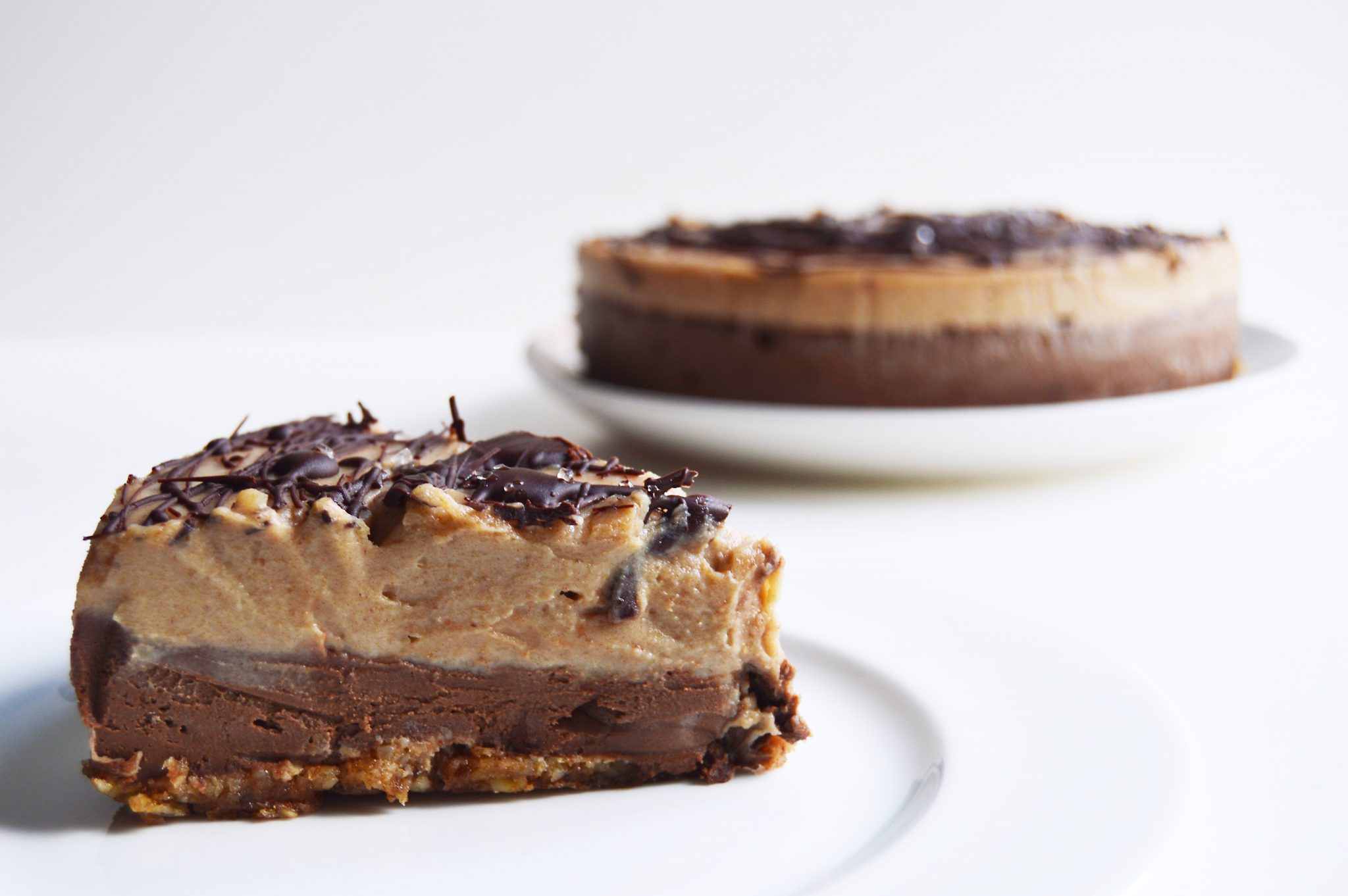vegan-chocolate-salted-caramel-cheesecake-12