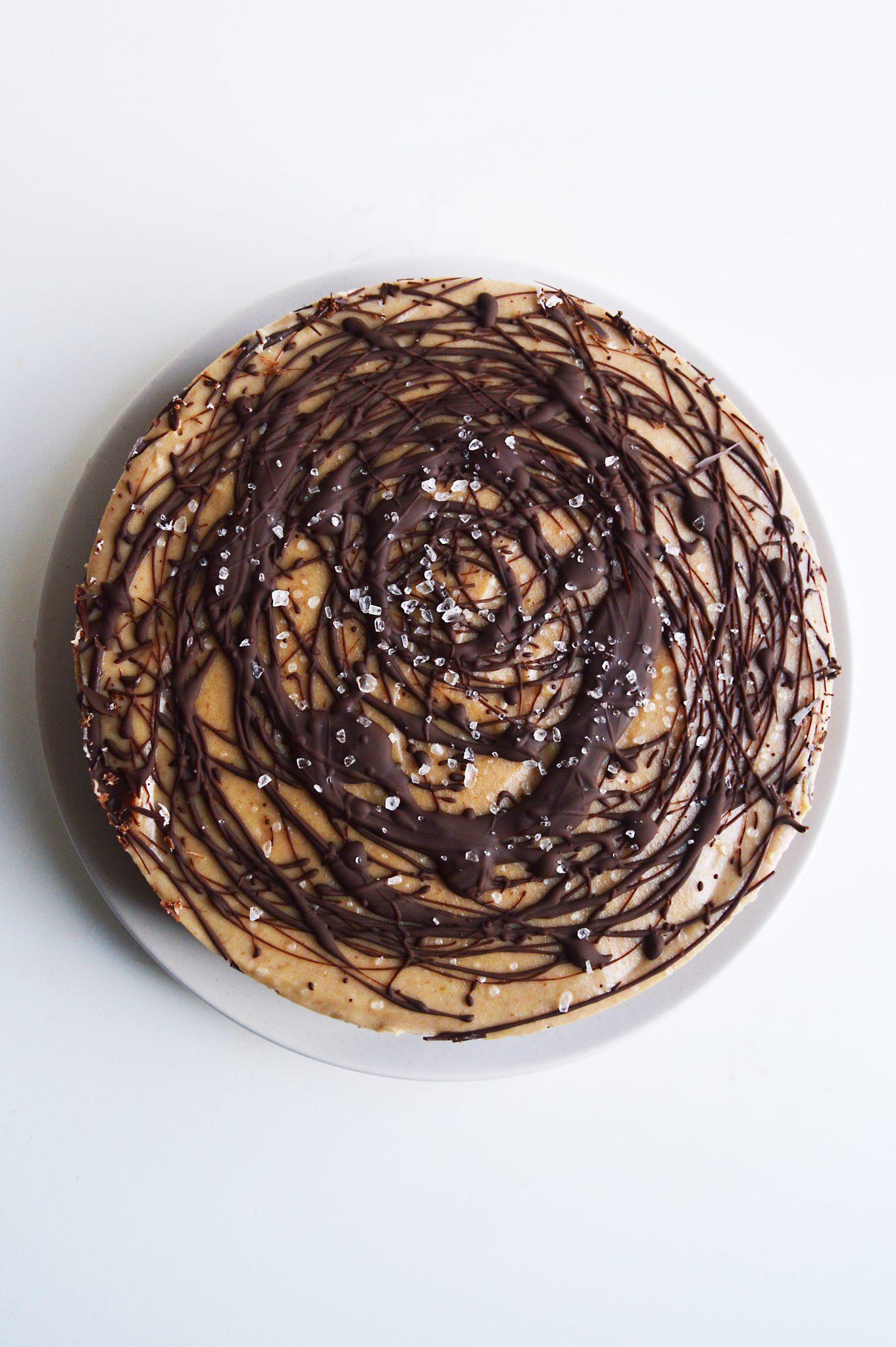 vegan-chocolate-salted-caramel-cheesecake-9