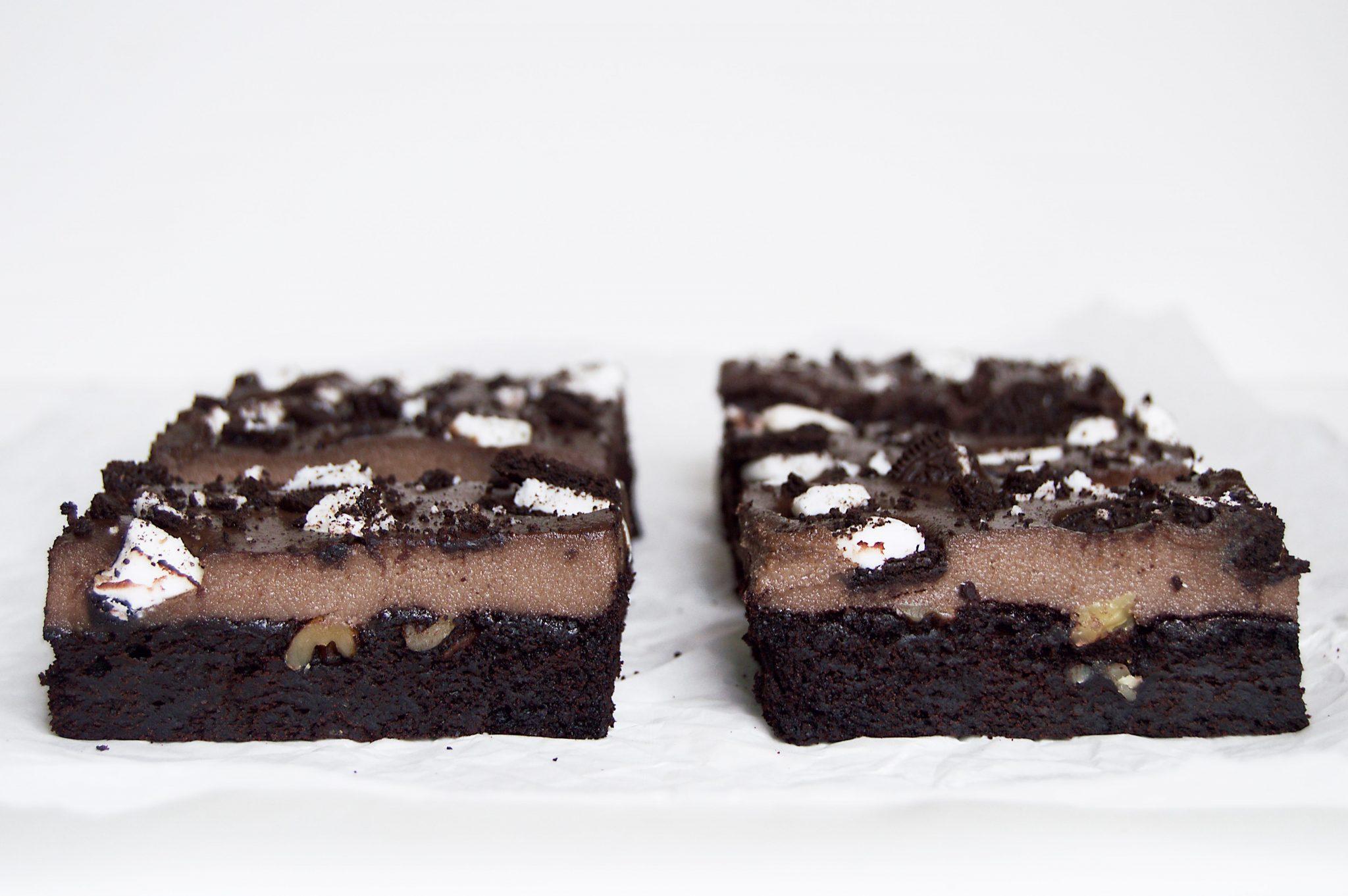 Vegan Cookies & Cream Cake Bars