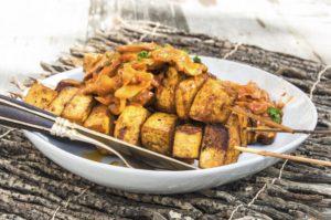 BBQ Tofu Skewers with Creamy Onion Mushroom Sauce (German Style)