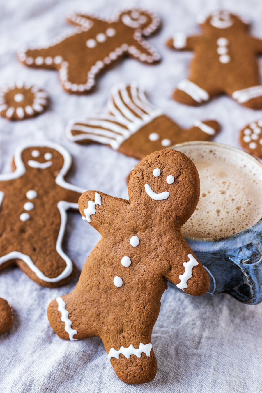 Vegan Gingerbread Cookies With Royal Icing