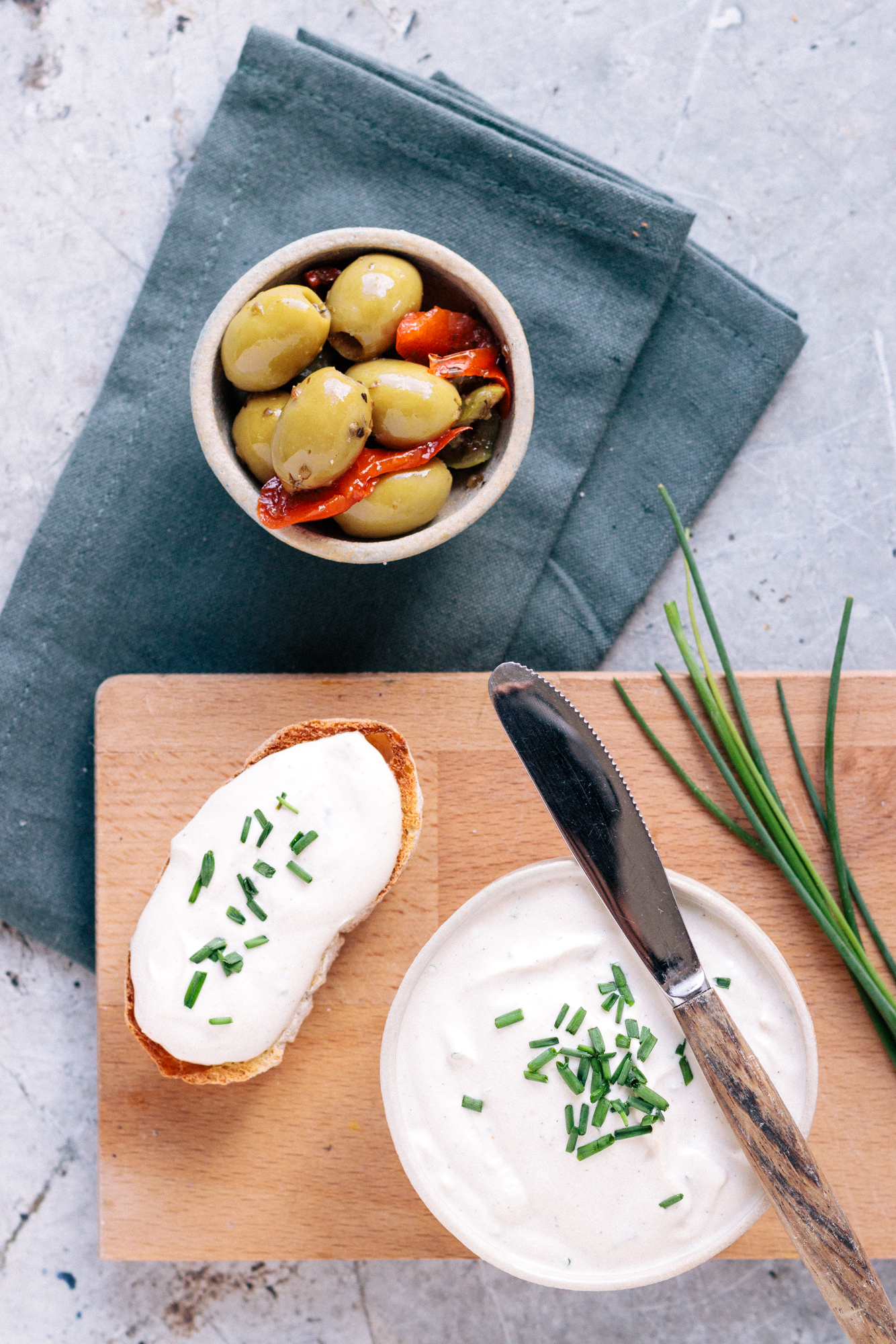Vegan Cashew Cream Cheese With Chives