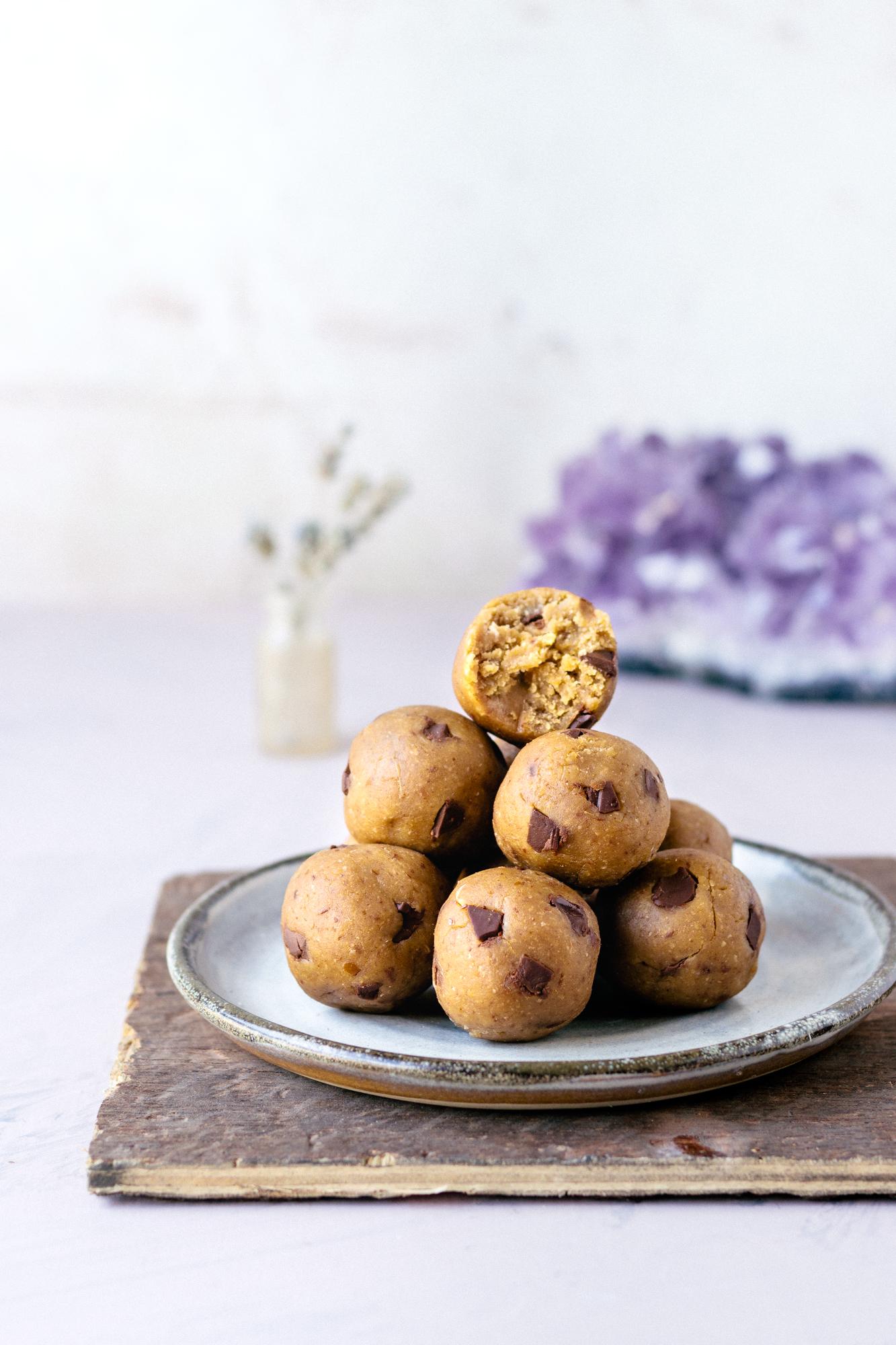 Vegan Peanut Butter Cookie Dough Protein Balls