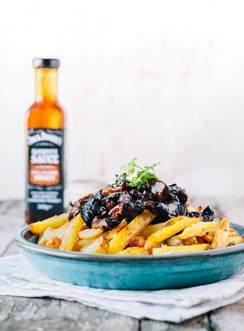 Vegan Baked Garlic Fries With Pulled BBQ Portobello Mushrooms