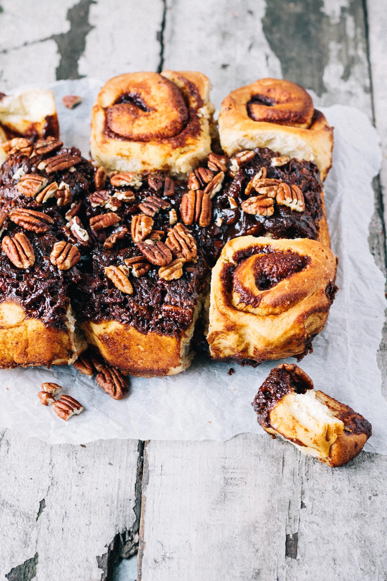Vegan Pecan Pie Cinnamon Rolls Buns